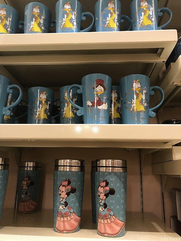 パーク内のミニーちゃんのお店にもマグカップなどが