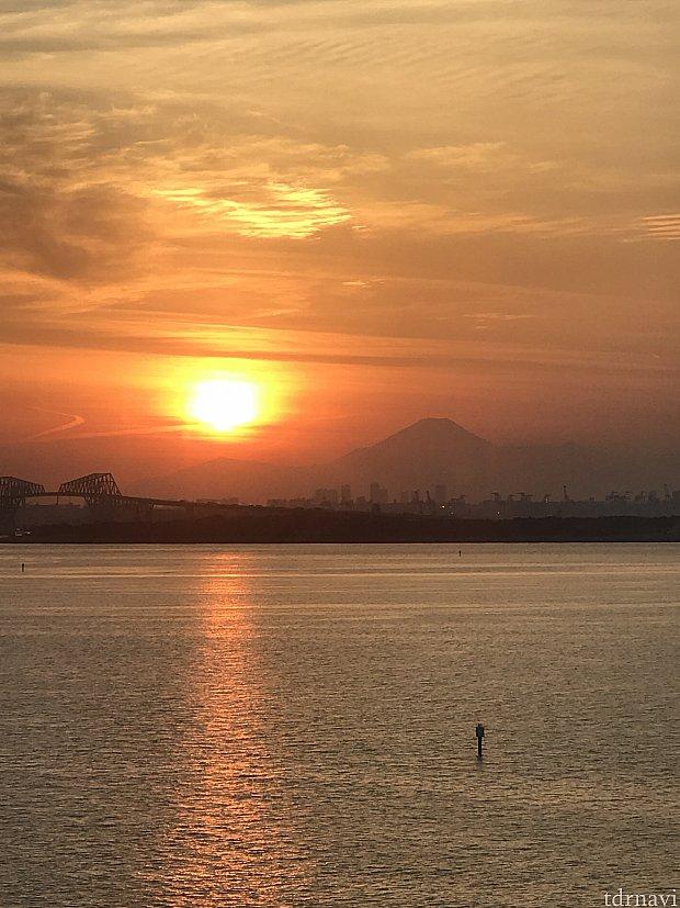 富士山と夕陽が綺麗でした(^o^)