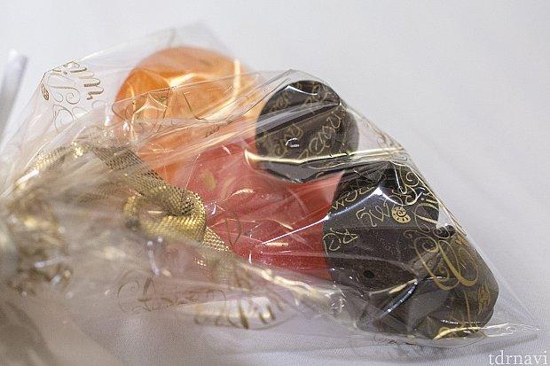 チョコの裏をよーく見るとremyと書かれています