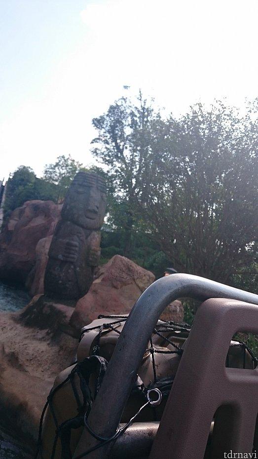 モアイのような石像