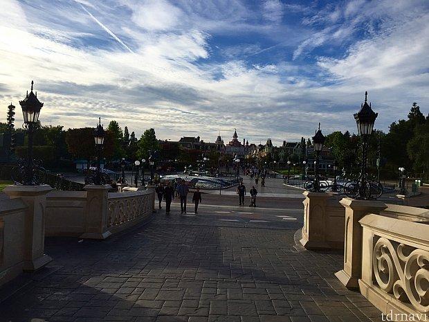 写真はお城からプラザ方面を撮ったところです。