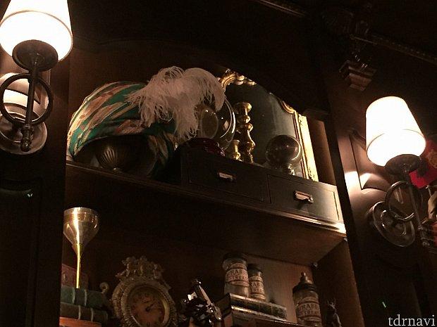 NYOKAAの愛用品も飾られています。