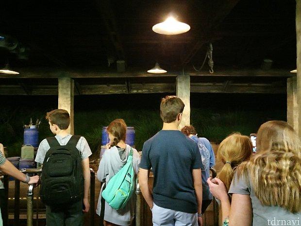 夜の駅です。
