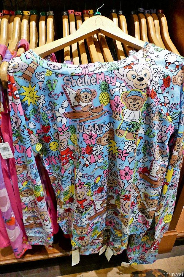 柄は最高なのに、なぜか長袖にしてしまったTシャツ…。 たしか40ドルくらい