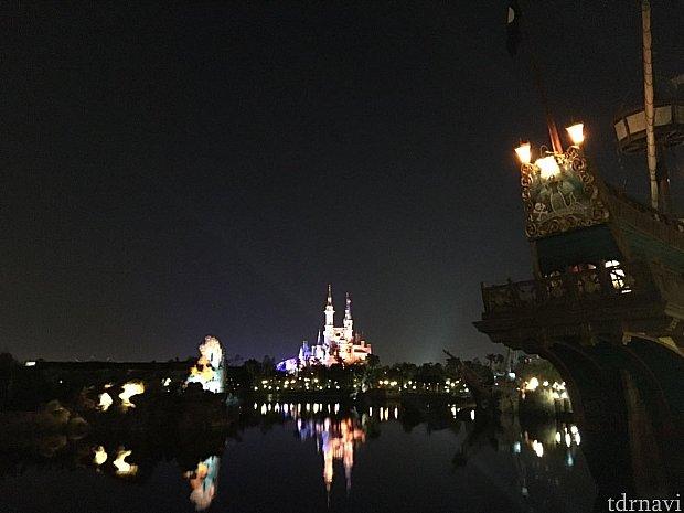 トレジャー・コーブの夜景はいつみても素晴らしいです。