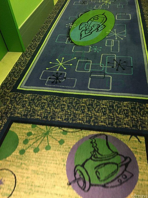 客室の廊下(バズ棟)のじゅうたん