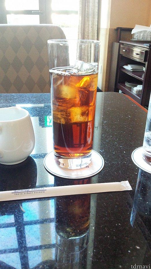 ドリンクは、コーヒーか紅茶から選べます。