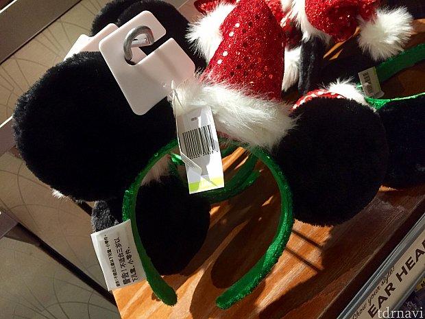 ミッキーとクリスマスハット。グリーンのヘッドバンド部分がポイント。