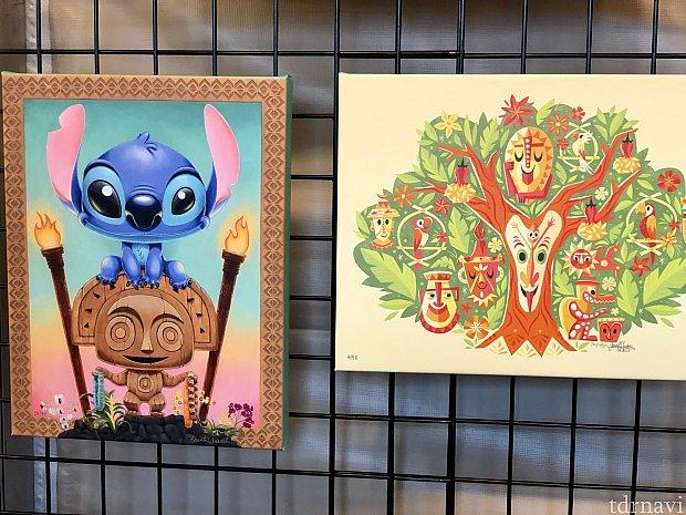 スティッチはWDWのポリネシアンビレッジリゾート、右側はティキルームがテーマ。このアーティストさんのマグカップやディズニーグッズをよく目にします。