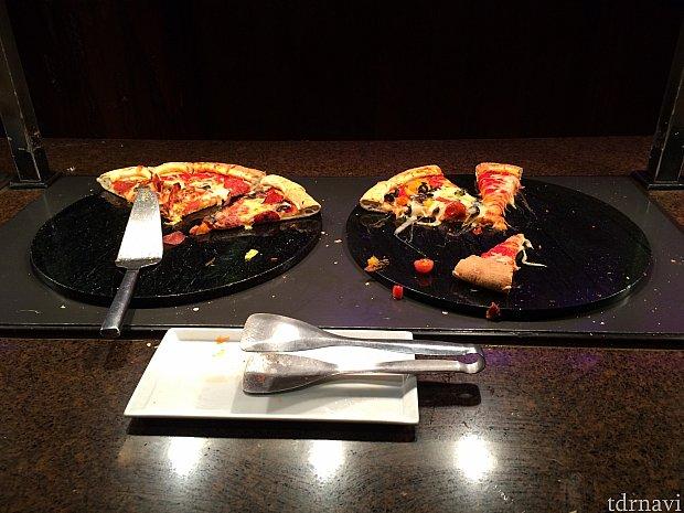ピザもありました。