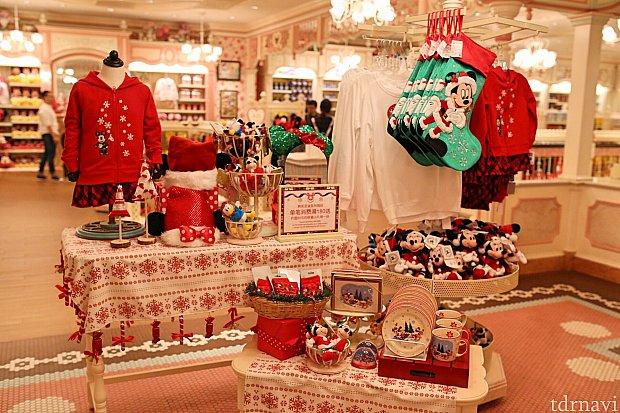 クリスマスグッズが売られていました