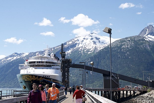 船を降りると雪山がお出迎えなスキャグウェイ。