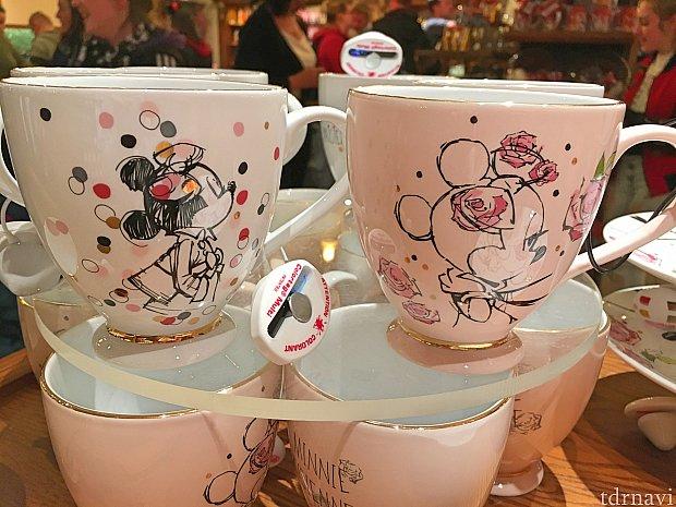 マグカップは白とピンクがありました。各19.99€