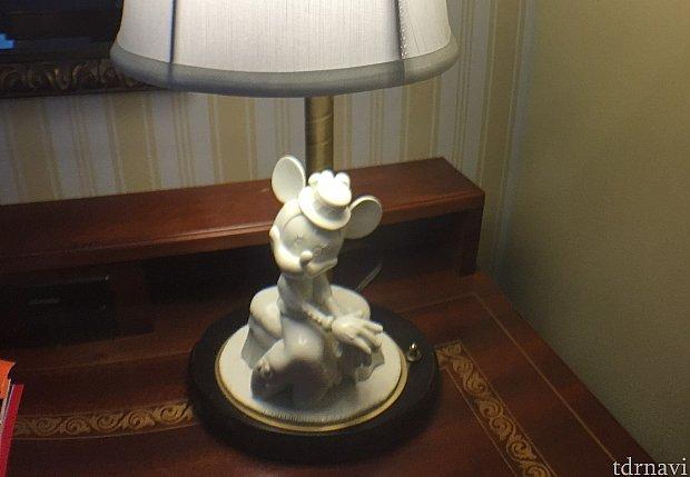 客室内のディズニー要素は少ないですが、おしゃれなインテリアにミッキーやミニーが。