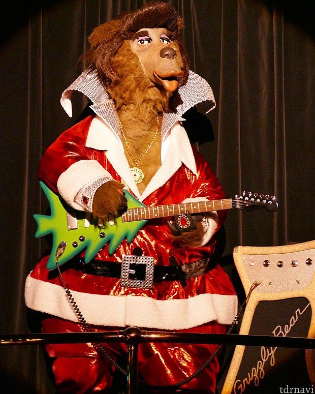 リバーリップスかっこよすぎませんか?ツリー型のギターがなんとも言えません🎄💗