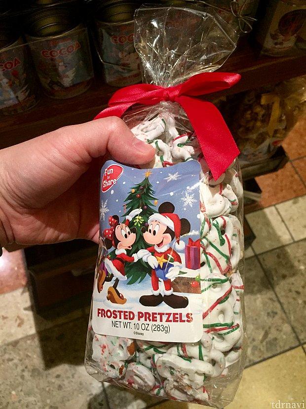 意外と美味しかったりするFrosted プレッツェルもホリデーフレーバーです。$8.49
