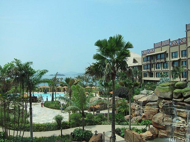 プールがあるとリゾート感が一気に増します。