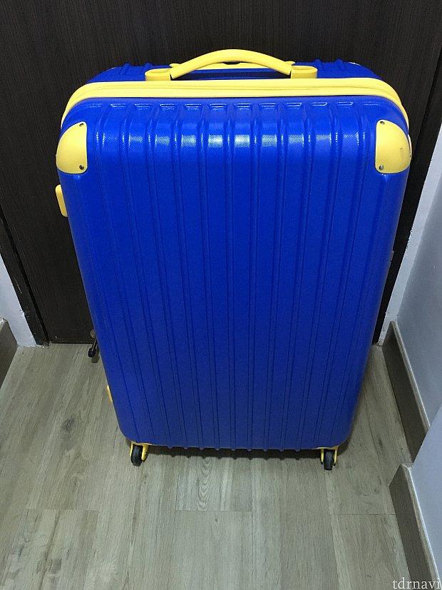 室内の写真はうっかりこれしか撮影していないのですが…大型スーツケースは通るぐらいの通路幅はあります