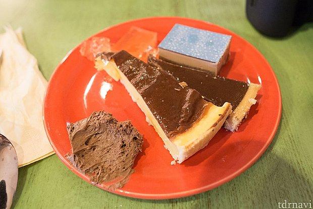 レストランの料理。フランスのチョコレートはどこも濃くて美味しいですね