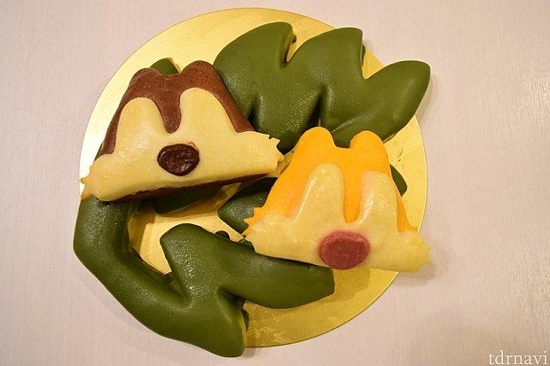 食べる前にいろんなパターンで楽しむ②葉っぱの上にチップとデール。