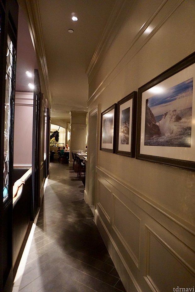 廊下に飾ってある写真も全て灯台に因んだものだそうです。