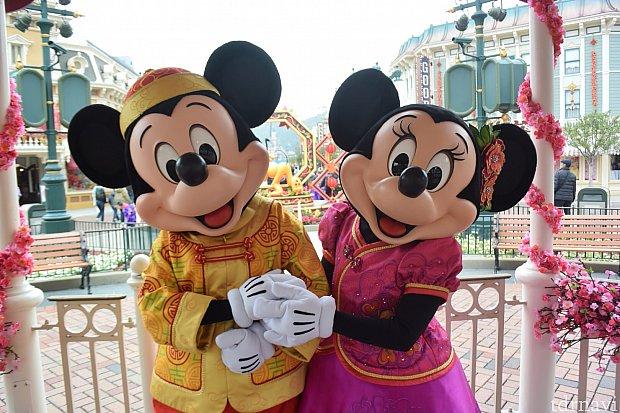 ミニーちゃんの耳のお花も可愛い❤️ リボンじゃないのも大好きです😍❤️ チャイナ服はリボンも付いててとても可愛い😍❤️