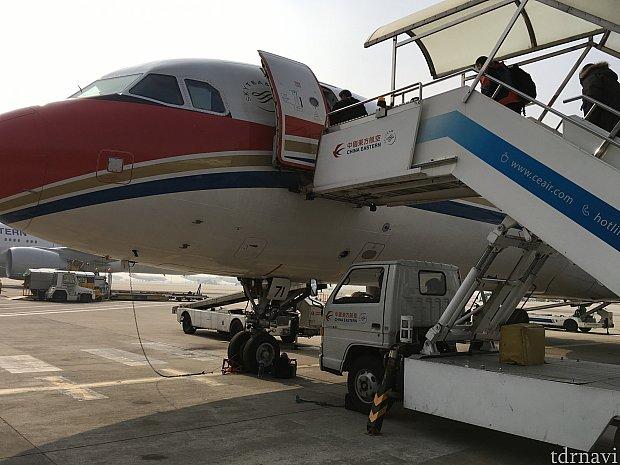 上海→成田便はバス移動でしたが、他はボーディングブリッジから。上海国際空港第1ビルは中国東方航空がメインのキャリアになるので、遠い搭乗口になることはそれほどなさそうです