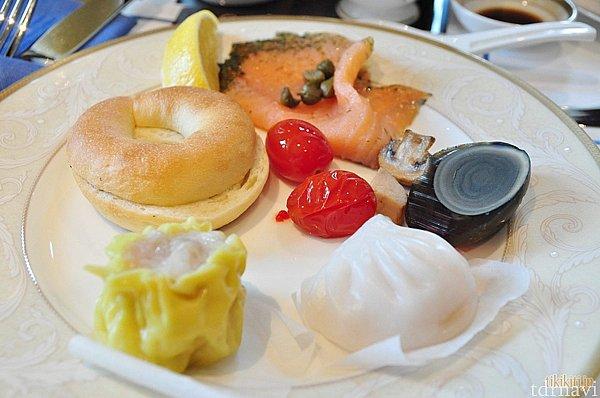 中華っぽいものからサーモンベーグルまで色々食べちゃいました