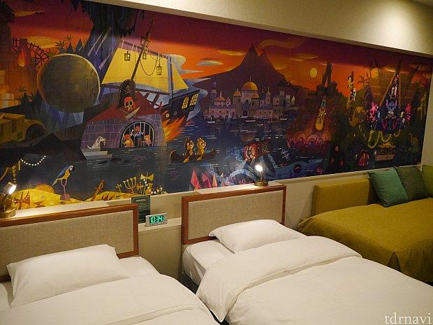 客室です。ベッドは少し狭いです・・