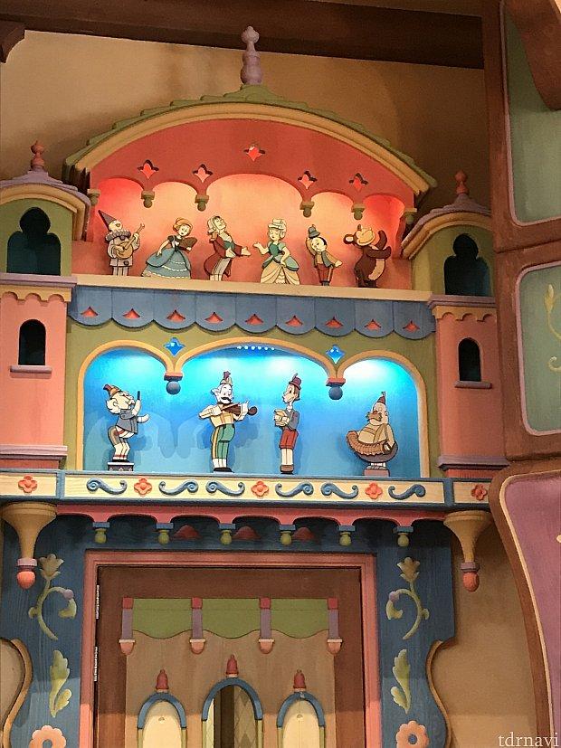ピノキオがテーマの可愛い店内