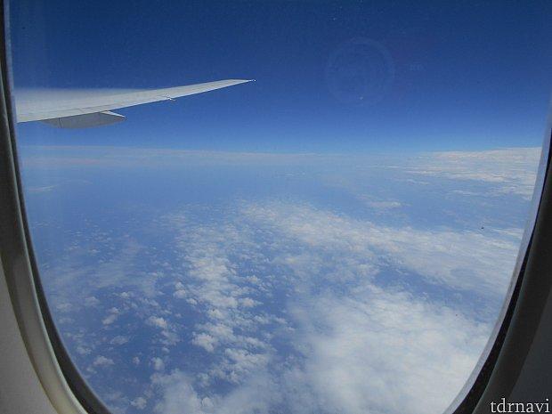 アメリカ大陸上空に突入した頃の雲の様子です~