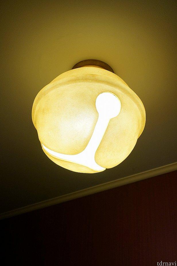 アルコーブ部分の照明もかわいい