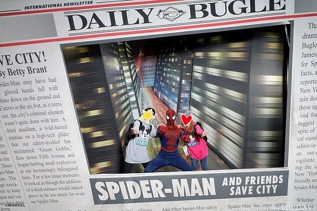スパイダーマン!この新聞のフレームはフォトパスでしか撮ってもらえませんでした!