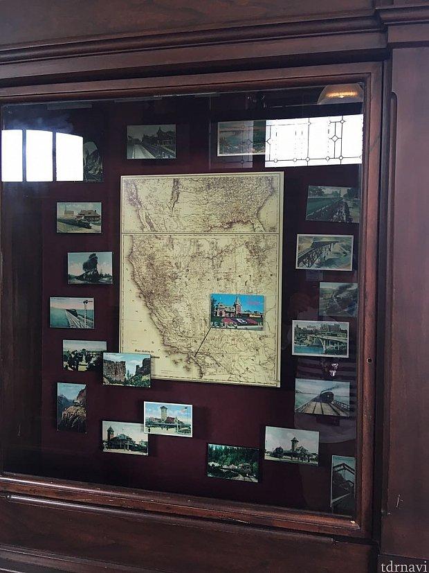駅舎の中には多数の展示物、写真などが飾ってあります。