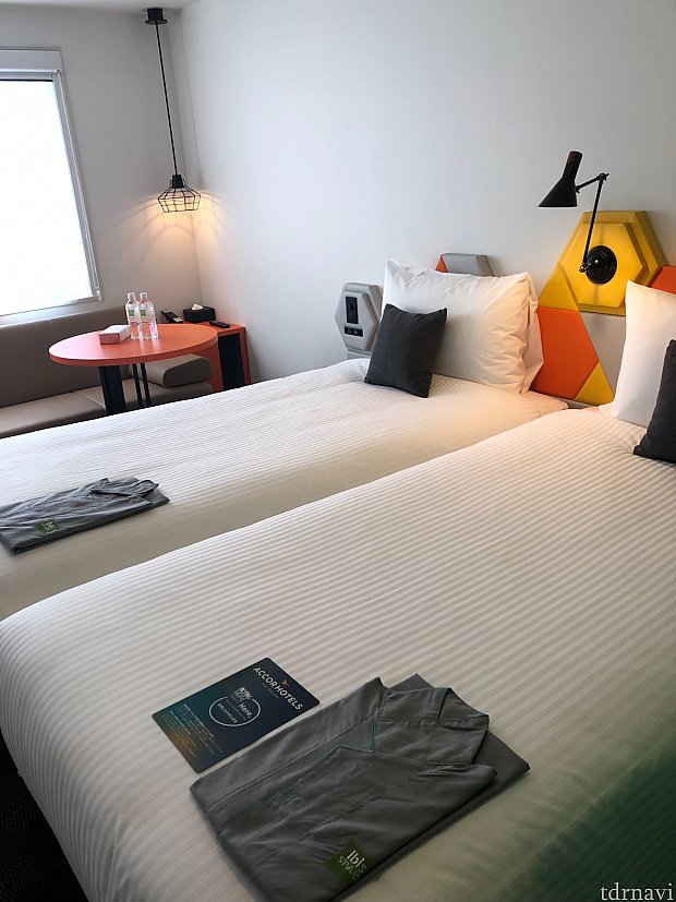 シングルベッド2つを1人でユース  シングルのお部屋設定はありません。