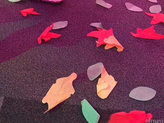 落ち葉も降ってきました!