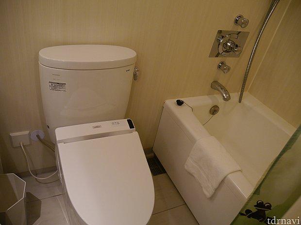 バス、トイレは一緒。お風呂はユニットバスです・・・
