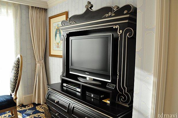 リビングルームのTV。