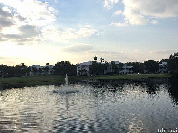 ゴルフ場が周りにあります。