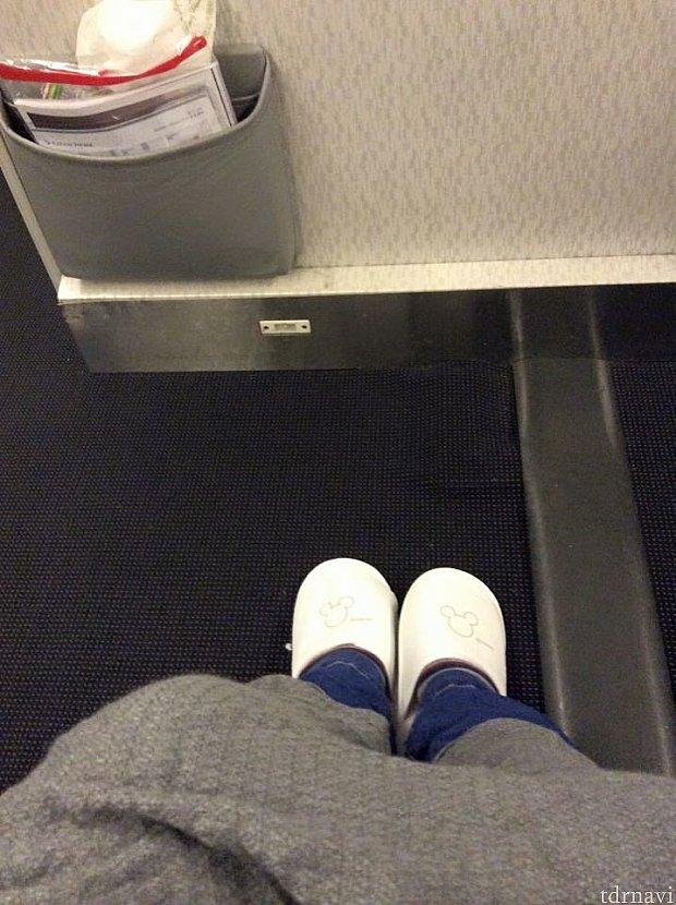 非常口席なので足を伸ばせます(o^^o)