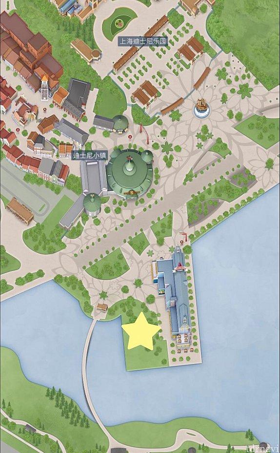 ディズニータウン湖畔の芝生広場(☆印)