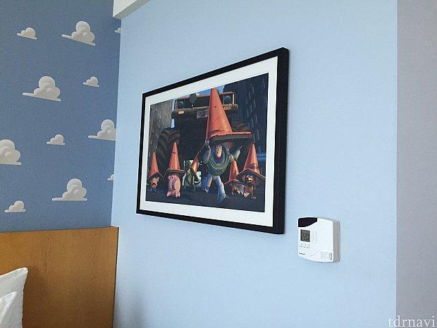 客室にはイラストも飾られています