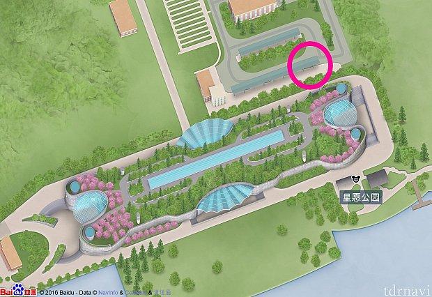 地下鉄11号線のディズニーリゾート駅前のバス停は、ピンク色の丸枠の場所にあります。