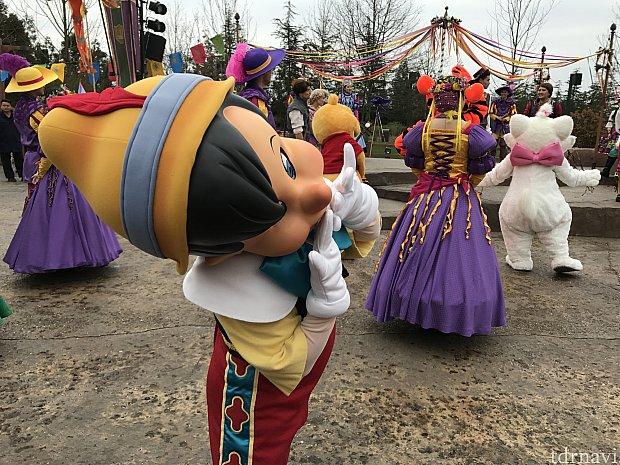 ピノキオの投げキス頂きました