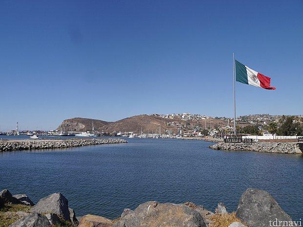 船が停泊している海岸付近の雰囲気は良いですが、街中は特に何もなかったです・・・