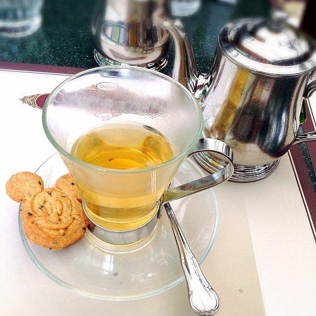 甘いもののお供はジャスミン茶が正解!かわいいクッキーも付いてきます♪