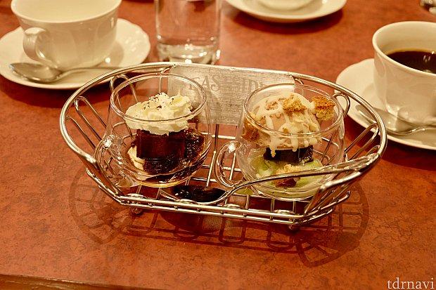 グラスデザート(左:コーヒーゼリー&マスカルポーネ、右:ヘーゼルナッツジェラート&ピスタチオクリーム)