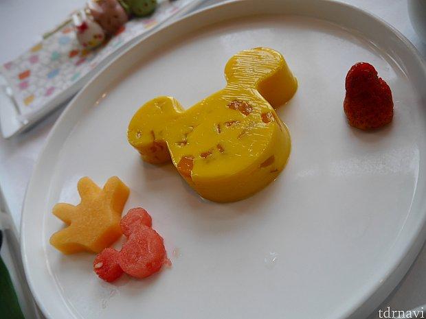デザートのマンゴープリン!これはもうほぼマンゴーですか?の勢いで美味しいです♡