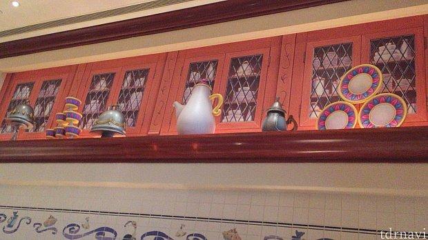 料理があるところでは、料理の上にも目を配ってみてください(^^)