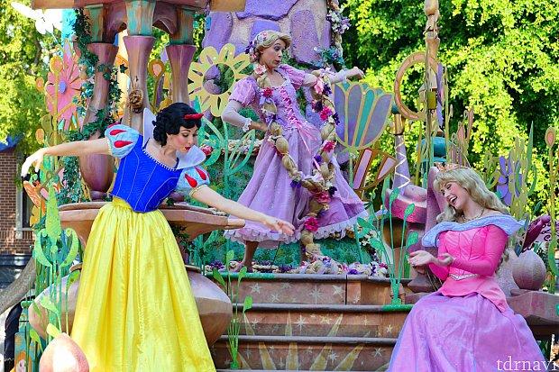 プリンセス軍団登場!!!オーラがやばいです!!!!顔が小さすぎて・・・小さすぎて・・・